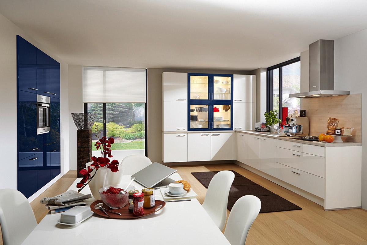 nobilia flash weiss blau mit miele ger ten. Black Bedroom Furniture Sets. Home Design Ideas