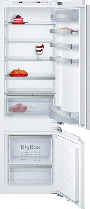 Ausstattung:   Flachscharnier  EmotionLight - sanft aufdimmende LED-Innenbeleuchtung   Kühlteil   Kühlraum: 209 l Nutzinhalt  5 Abstellflächen aus Sicherheitsglas (4 höhenverstellbar)